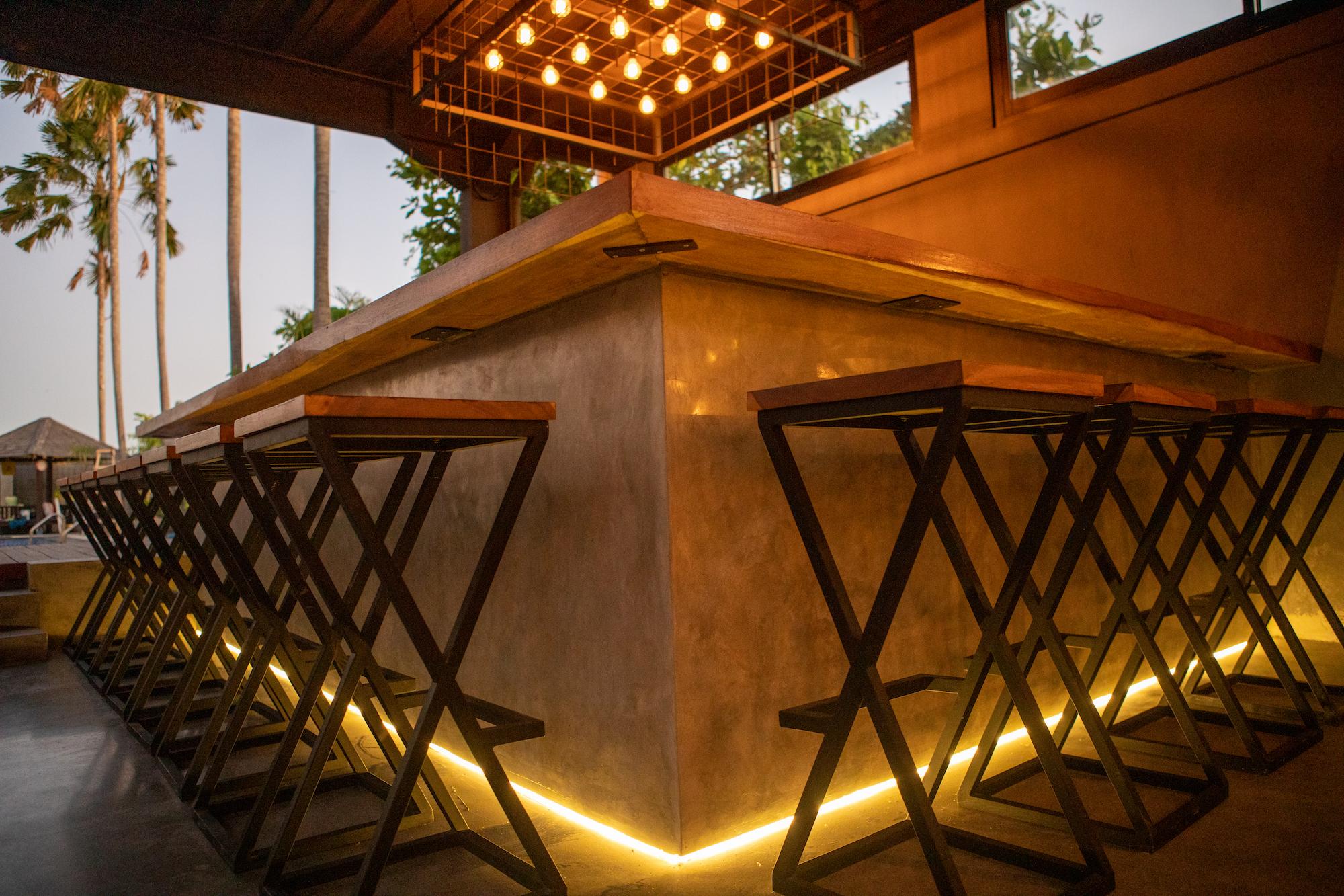 Venue-stools